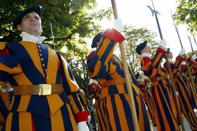 swiss guards at the vatican