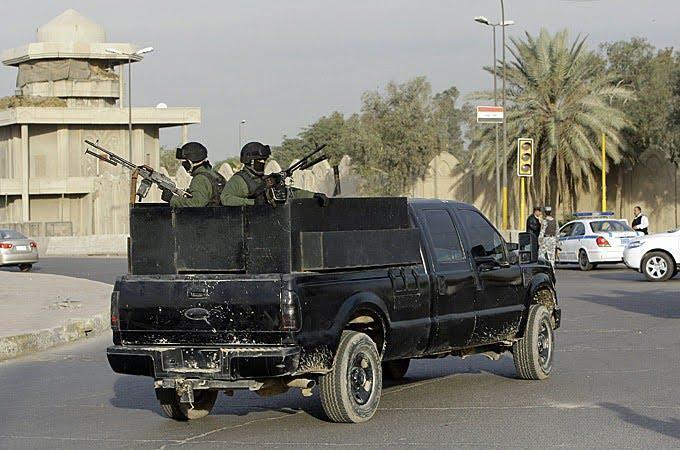 Blackwater PMCs traveling in Iraq