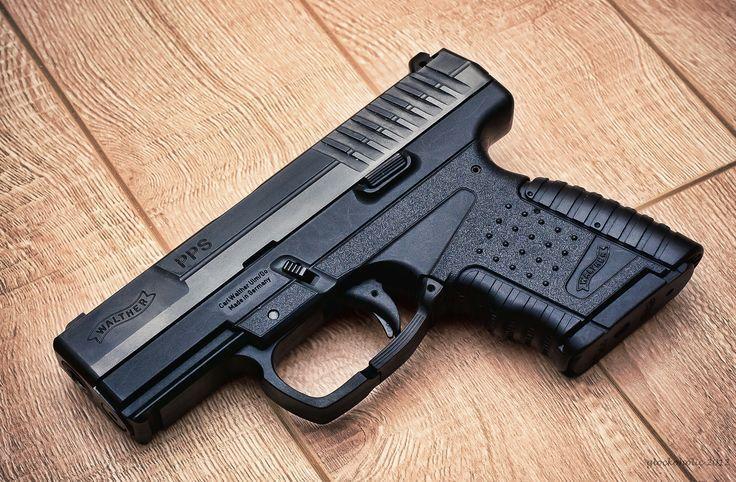 Walther PPS handgun